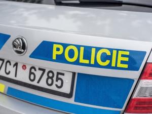 Na Podhorské v Jablonci se srazil chodec a motorkář se zákazem řízení