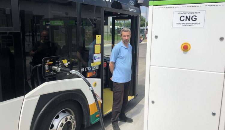 Dopravní podnik má novou plničku CNG. Ušetří peníze i čas za přejíždění do Jablonce