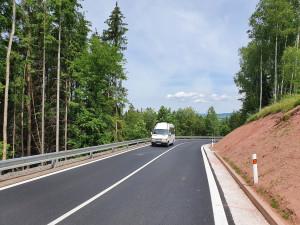Skončila rekonstrukce silnice na Cimbál u Semil. Náklady přesáhly 126 milionů