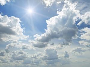 Čeká nás tropický víkend. Meteorologové varují před vysokými teplotami