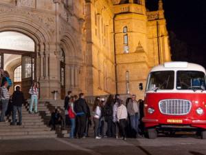 Muzejní noc nabídne netradiční prohlídky i jízdu historickou tramvají