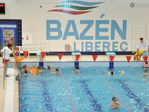 Na pokrytí nákladů dostane provozovatel bazénu v Liberci od města přes tři miliony
