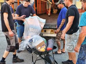 Lidem po tornádu pomáhají i Liberečáci. Kamion naplnili věcmi za šest hodin