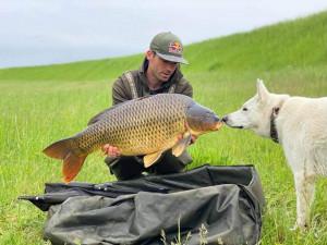Kolo je práce, rybaření vášeň. Největší macek měl přes 26 kilo, říká biker Tomáš Slavík