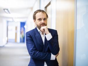 Kulhánek: Od dnešního dne nebudou muset plně očkovaní Češi na test po příjezdu