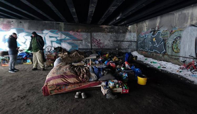 Liberec chce naočkovat bezdomovce proti covidu. Zatím ale nemá čím