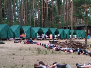 Dvacet dětí na táboře náhle onemocnělo. Zřejmě šlo o virovou infekci