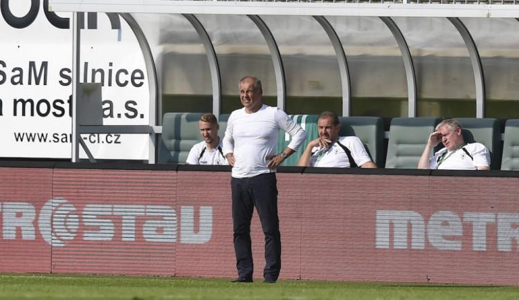 Budou si muset hrábnout na dno svých sil, říká před dnešním zápasem trenér Petr Rada