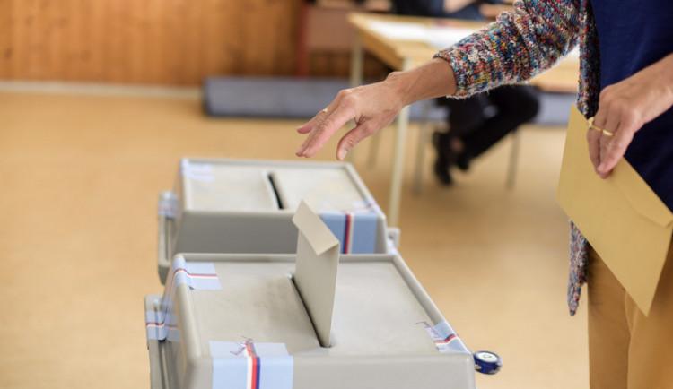 O místo ve Sněmovně usiluje letos v Libereckém kraji 246 kandidátů. Žen je třetina