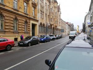 Do školy na Podhorské se vrátí studenti nejdříve po novém roce