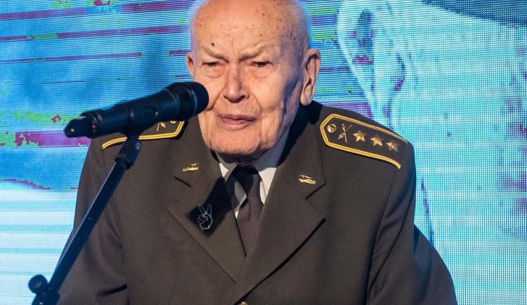 V osmadevadesáti letech zemřel plukovník Josef Haisler, autor podvodního tanku