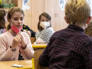 Vojtěch: Testy na covid ve školách teď pokračovat nebudou, možná na podzim