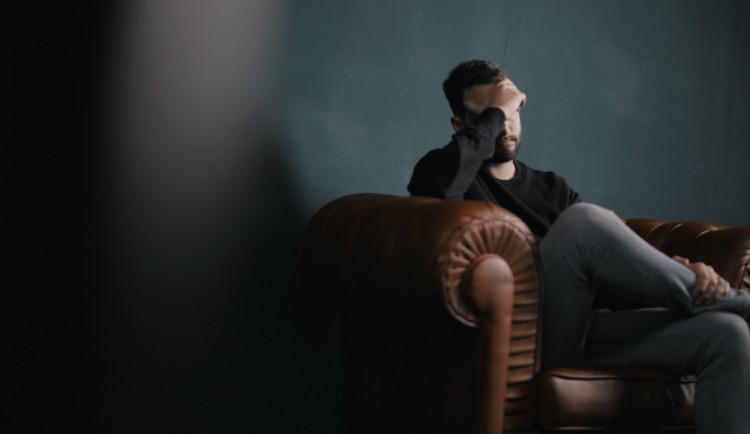 Pandemie výrazně zasáhla naše duševní zdraví. Co teď s tím?