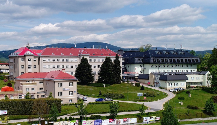 Liberecký kraj se stane akcionářem nemocnic v Jilemnici a Semilech, zaplatí 188 milionů