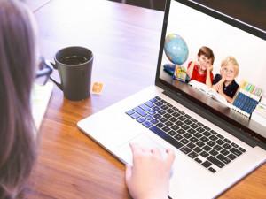 Omezovat soukromí dětí v online prostředí výměnou za jejich větší bezpečnost? Většina Čechů je pro