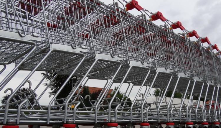 Na Den české státnosti zůstanou obchody zavřené. Vúterý nenakoupíme