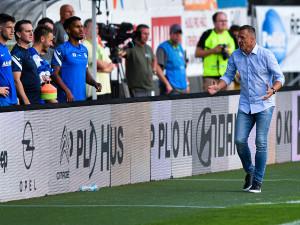 S osmi body se ještě nikdo nikdy nezachránil, zůstává trenér Slovanu Kozel po dobrém startu angažmá na zemi