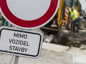Další komplikace pro řidiče, na šest týdnů se uzavře Jablonecká ulice od Klášterní k bývalé Textilaně