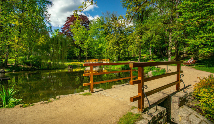 Zámecký park ve Vratislavicích prochází obnovou pod dohledem architekta Lefflera