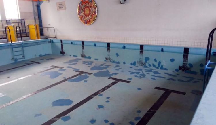 Opravte bazén na Františkově, chce petice. Podepsaly ji už stovky lidí