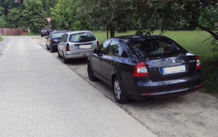 Řidiči si za léta parkování vytvořili nová místa