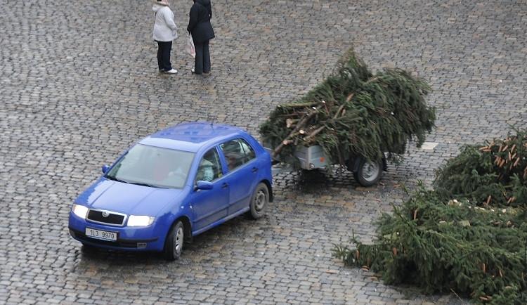 Vánoce jsou pryč a s nimi i strom z náměstí