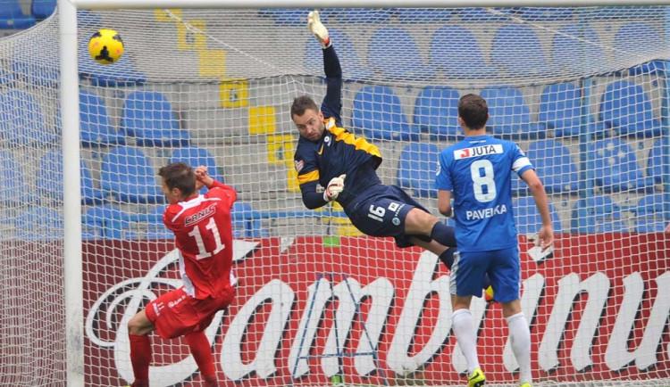 Slovan si poradil s Baníkem