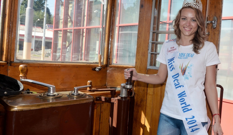 Čtyři historické tramvaje svezly mezinárodní návštěvu