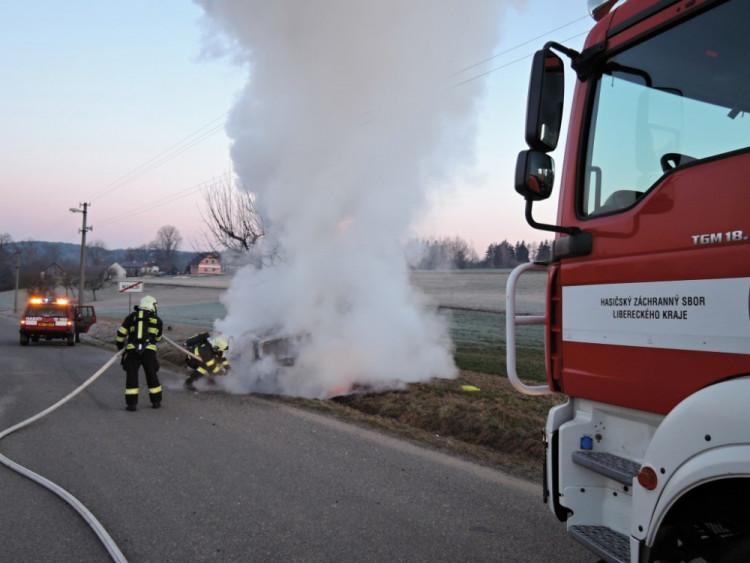 Nehoda u Turnova. Foto: HZS LK