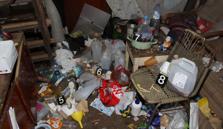 Policisté odhalili varnu drog na Semilsku