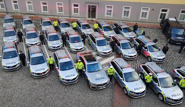 Dvacet nových aut pro policii