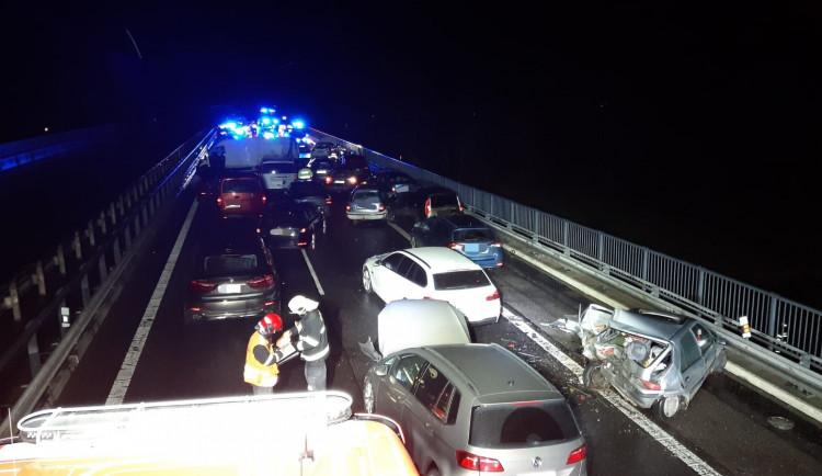 Hromadná nehoda u Svijan