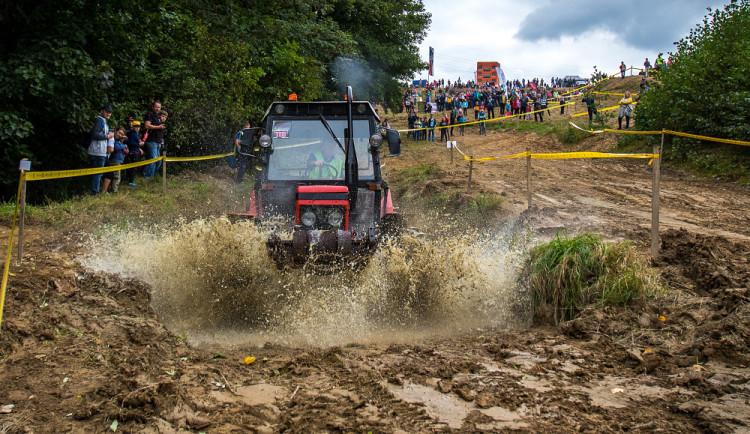 Závody traktorů v Bozkově